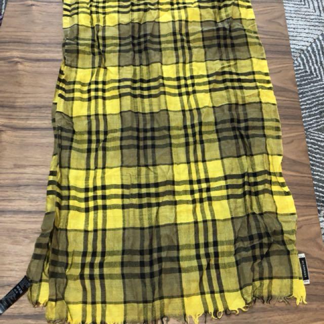 Burberry羊毛圍巾