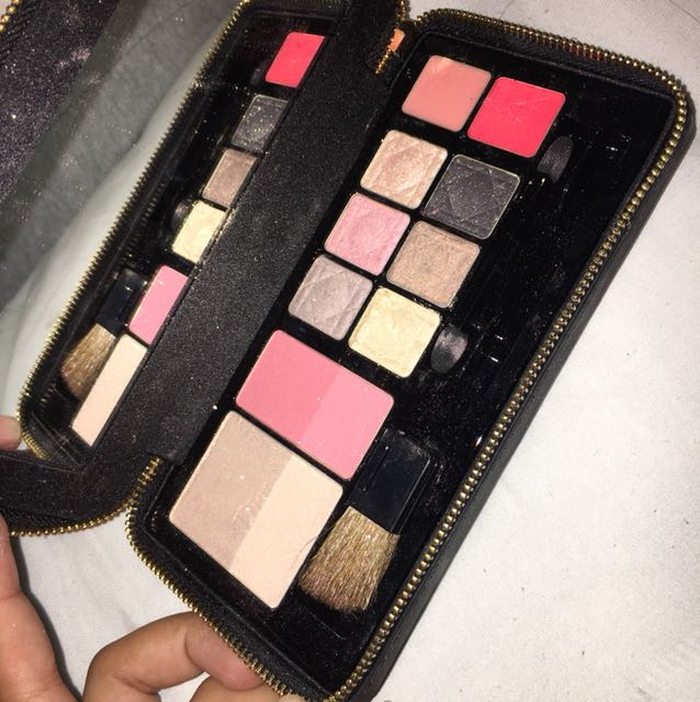 CHRISTIAN DIOR THE HOLIDAY COLLECTION PALETTE