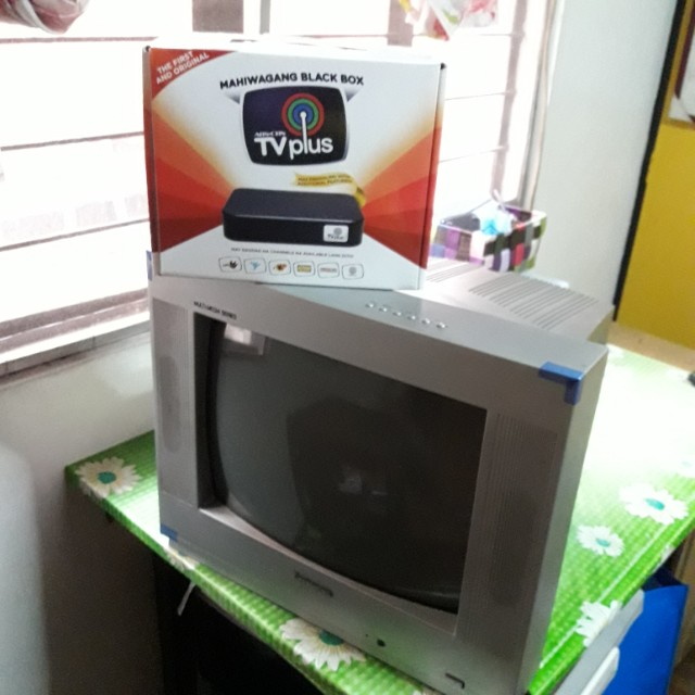 Colored tv + abs-cbn TvPlus