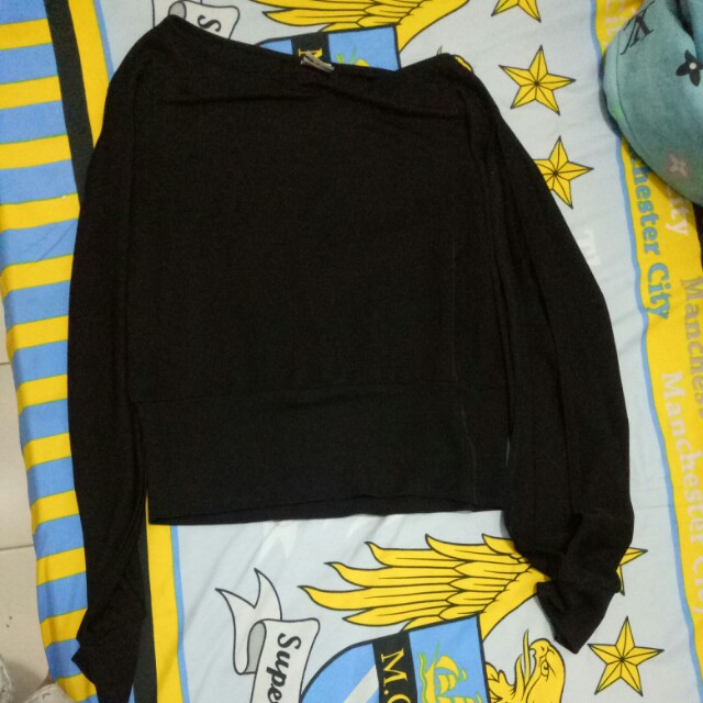 Crop top lengan panjang