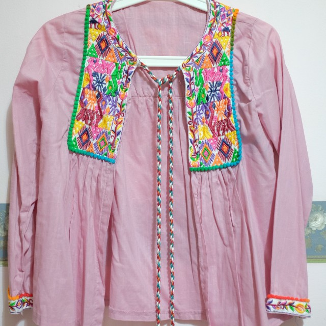 Etnic pink outer