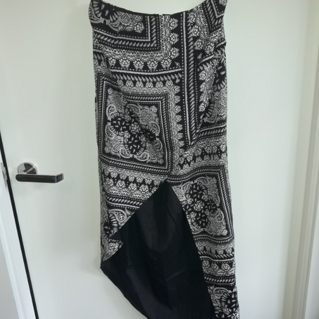 Finders Keepers skirt Size S New