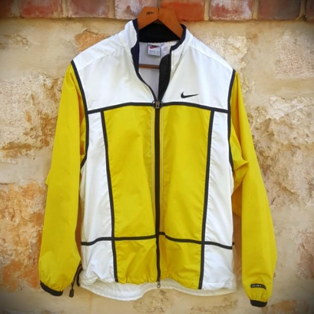 FREE POST Nike Yellow & White Windbreaker M
