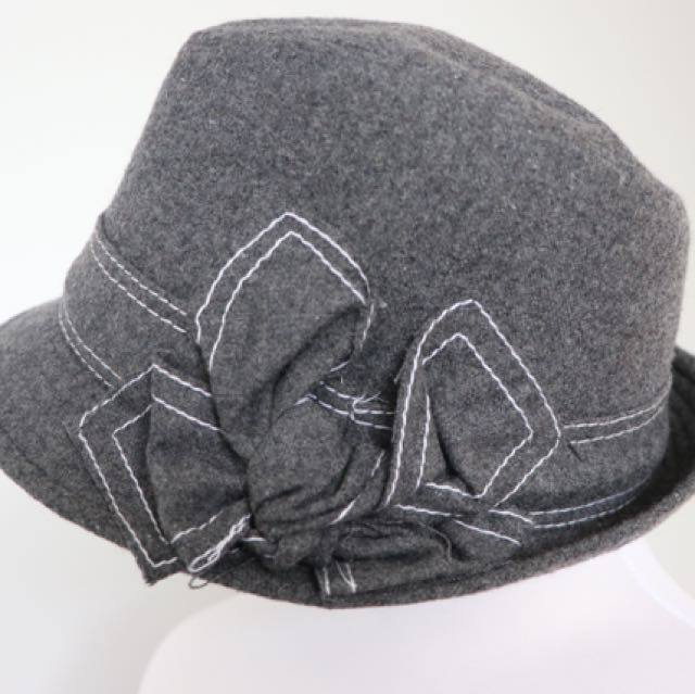 Grey felt hat. Never worn