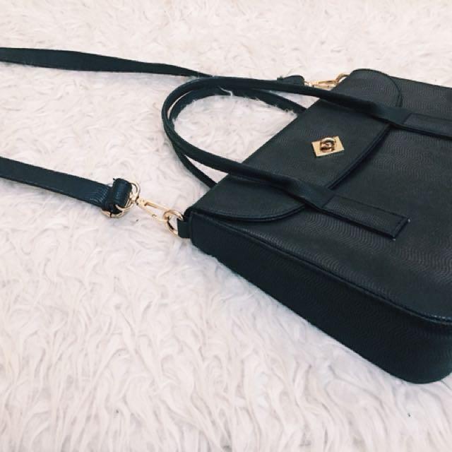 Hand Bag (Yongki Komaladi)