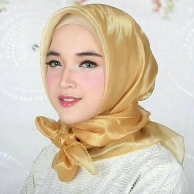 Hijab Organza Gold Nusagates