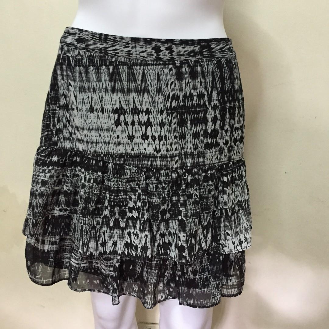 H&M Ruffle Skirt