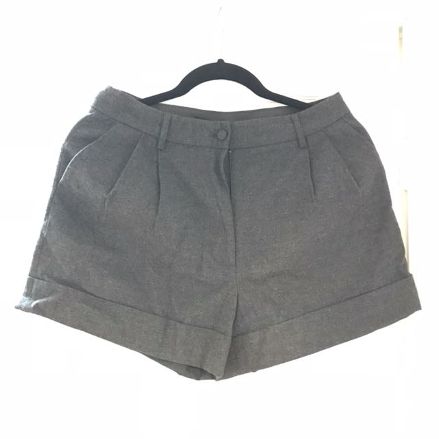 H&M shorts size 6/EU 36 brand new with tag