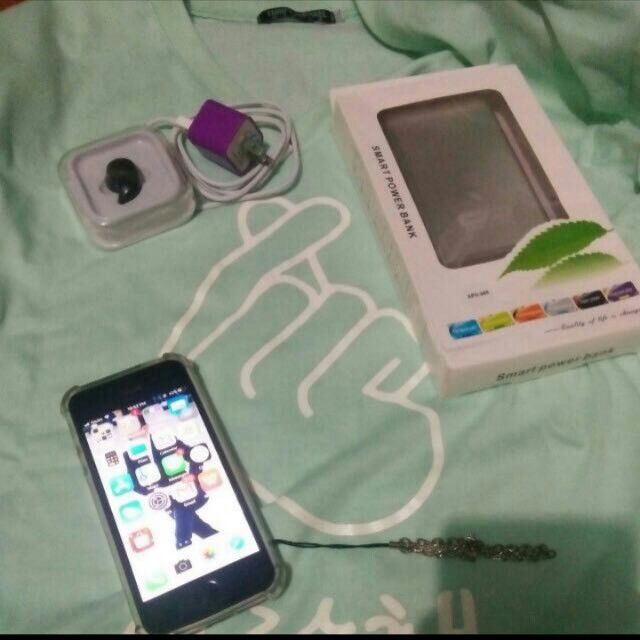 Iphone5s (FU) WITH POWER BANK 20,000Mah