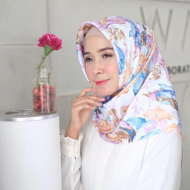 Jilbab Segiempat Abstark Blue