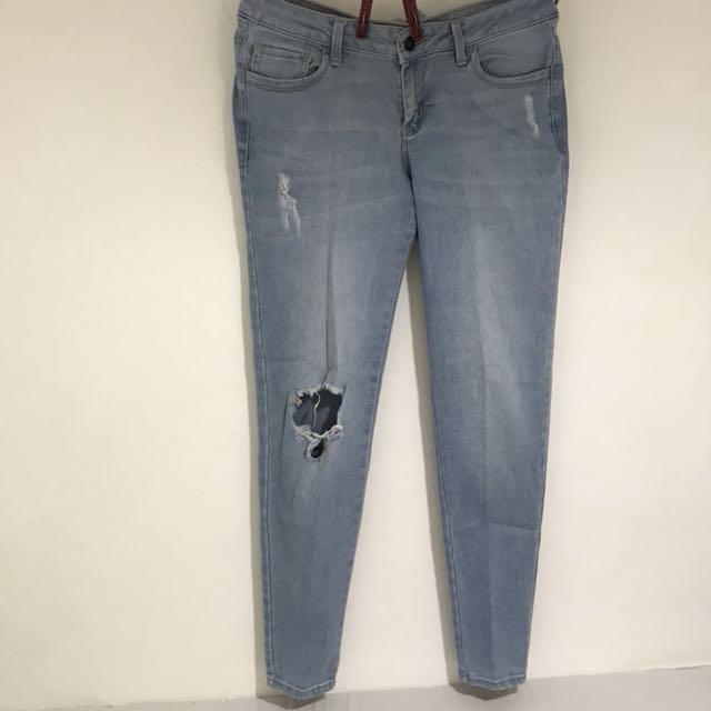 Kashieca Ripped Jeans