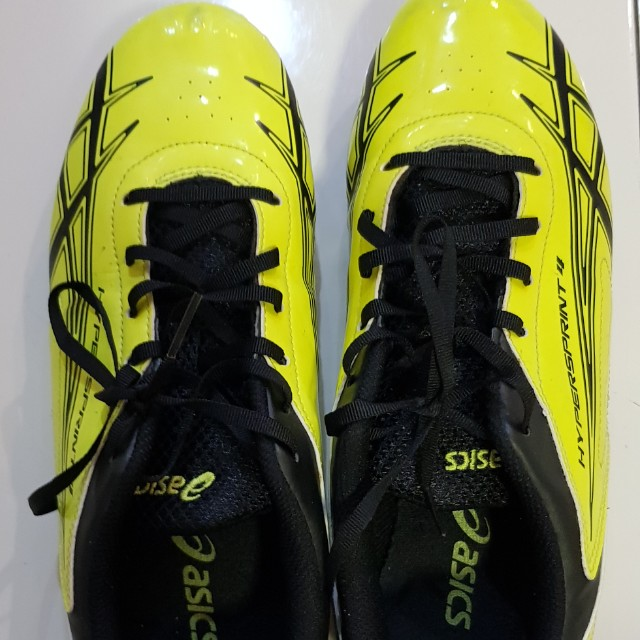 Kids Asics spike shoes with additional