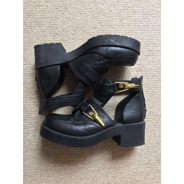 LIPSTIK cutout heeled boots