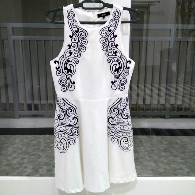 MDS BORDIR DRESS WHITE