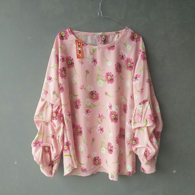 (NEW) Flowery pink top