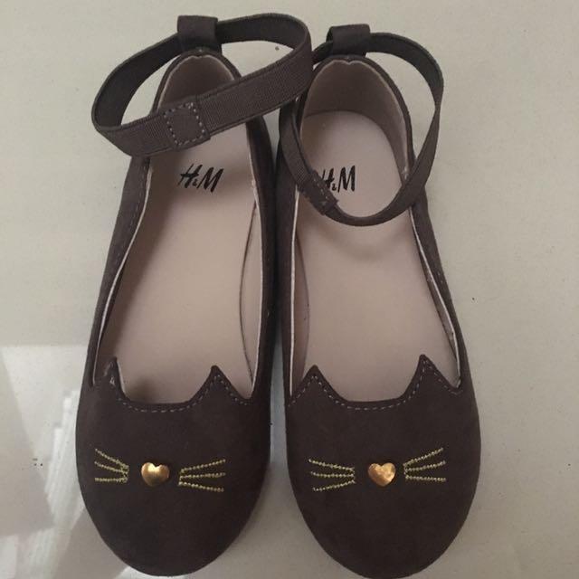 NEW! H&M girl shoes sz 15.5cm