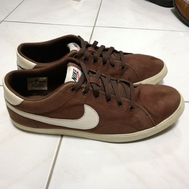 Nike sneakers (brown canvas)