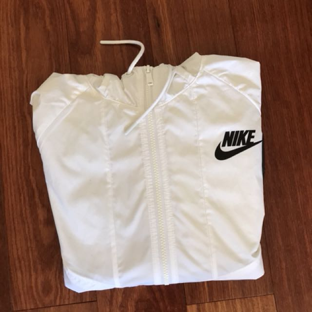 Nike Windbreaker black and white