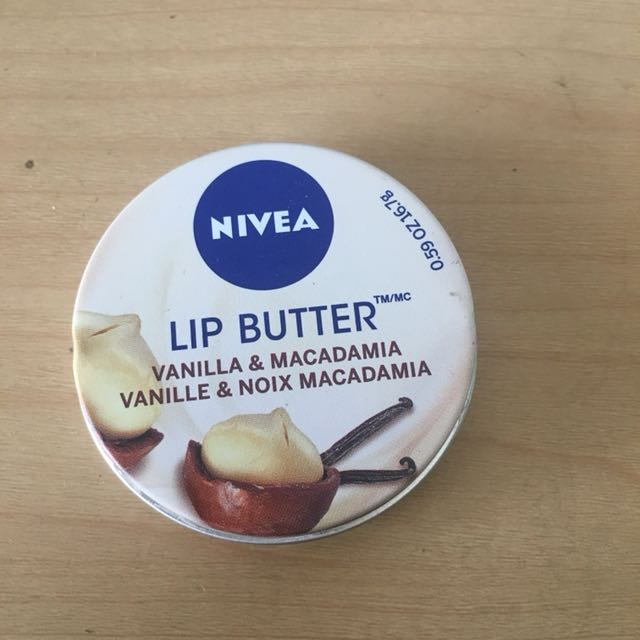 NIVEA LIP BUTTER Vanilla and Macadamia