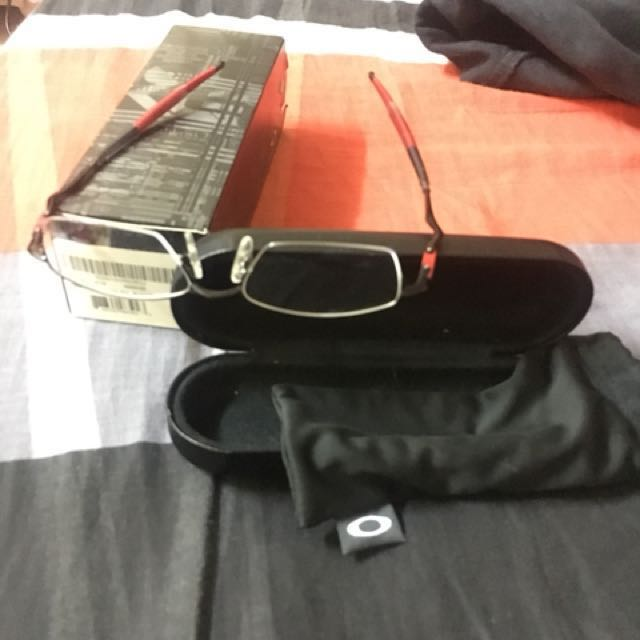 01929b0133 Oakley CoverDrive OX3129 Black Red