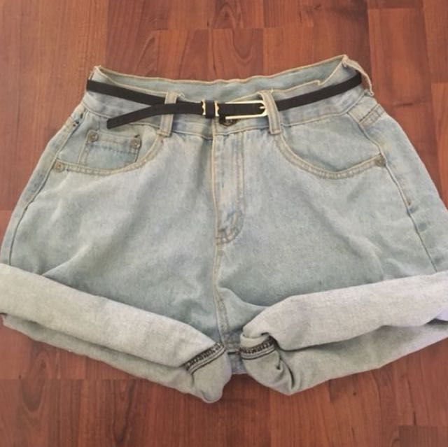 Oversized boyfriend shorts