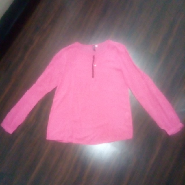 Pink long sleeves shirt