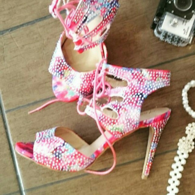 Pink with diamonds studs heels