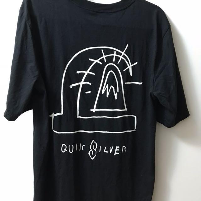Quiksilver t恤
