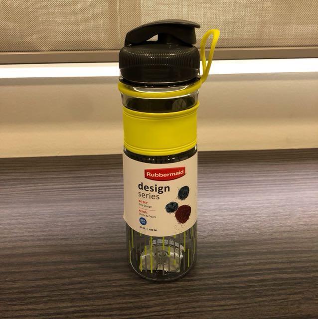 Rubbermaid BPA free water bottle