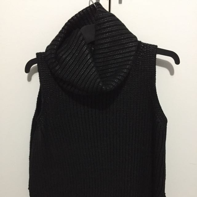 Sheike roll neck top