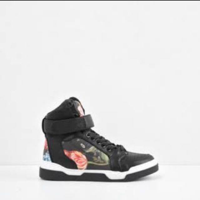 Sneakers charles & keith