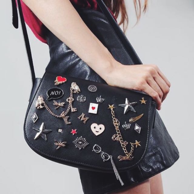 stradivarius pin sling bag