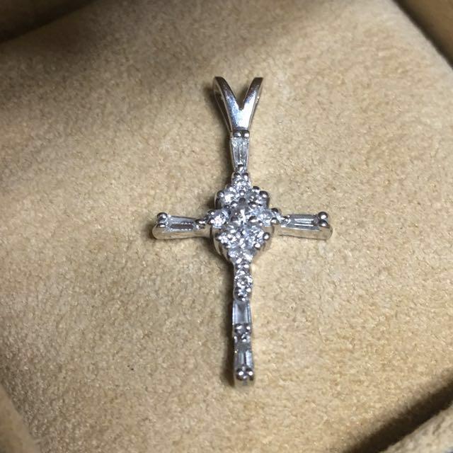 美國精品*長方型T鑽 圓鑽 十字架 14K金墜飾