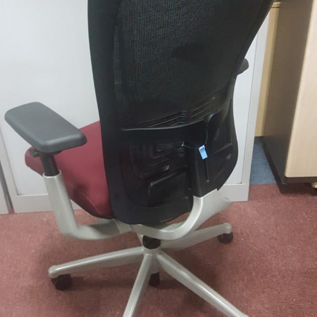 Used Ergonomic Office Chair Zody Sayl Mirra Aeron Leap Furniture Tables Chairs On Carou