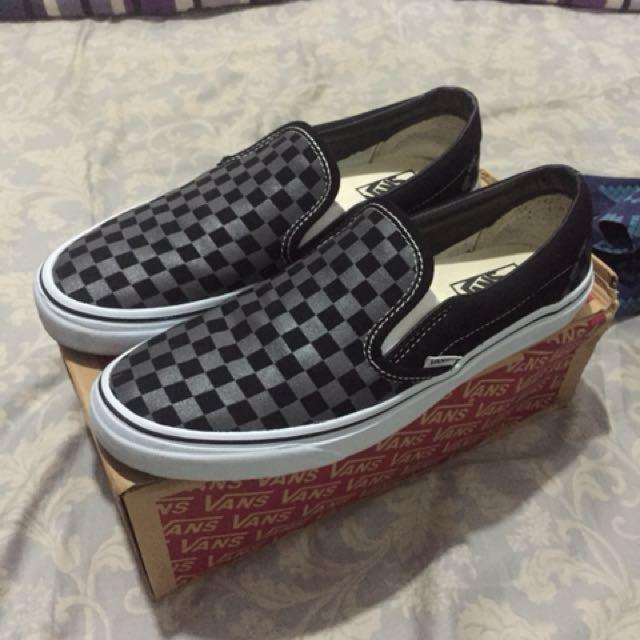 Vans slip on checkerboard black pointed
