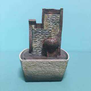 Mini water feature tabletop