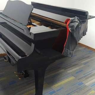 Yamaha grand piano G 1