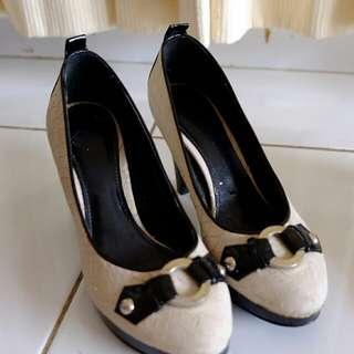 Grey Charles and keith heels
