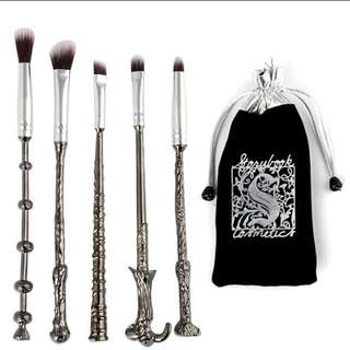 Bn Harry potter 5 pcs make Up Brushes