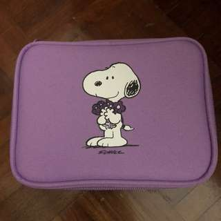 Innisfree x Snoopy Cosmetic Pouch