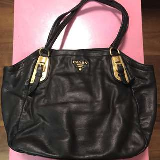 🈹️Prada leather bag