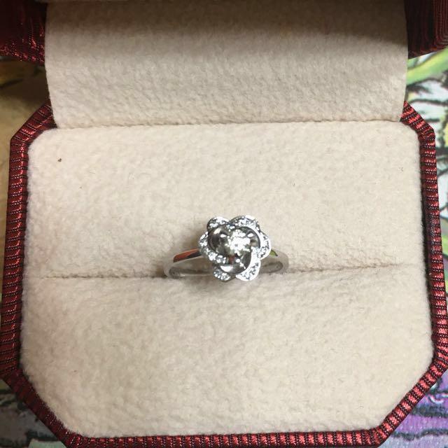 0.12ct 主鑽石💎配鑽0.12ct 💎白K金鑽戒💍