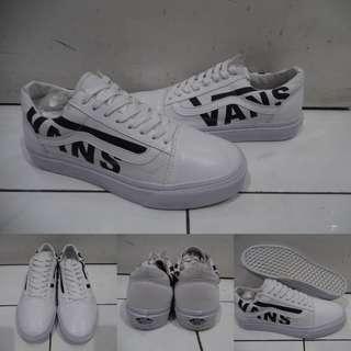 Sepatu Kets Sneakers Vans Old Skool Leather Kulit Vans Logo White Black Putih Hitam