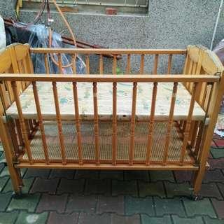 代賣嬰兒床可收納折疊 長128 寬66 高92 商品放久外表不好看有些缺陷 便宜出清