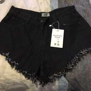 Shorts x4