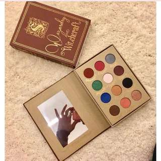 WIZARDRY AND WITCHCRAFT DIARY EYESHADOW