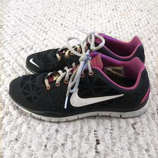 Nike Women's Classic Trainers - Size 7.5