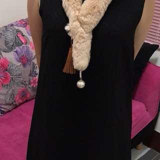正韓絨毛珍珠造型圍巾