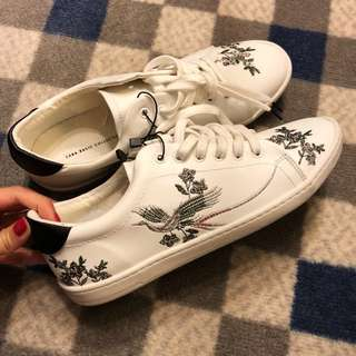 Brandnew Zara embroidered faux leather shoe in size 38