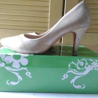 Sepatu heels wanita BETTINA